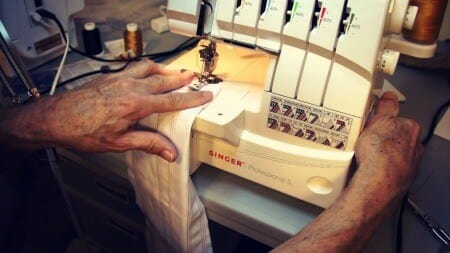 Sewing on SINGER 14T968DC Professional 5